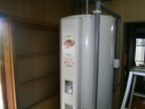 電気温水器取替工事 施工前