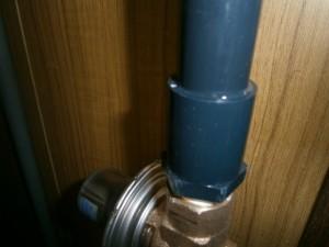 電気温水器取替工事 施工中